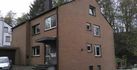 Kapitalanlage: Großzügige 4-Zimmer-EG-Wohnung im gepflegten 4-Familien-Haus