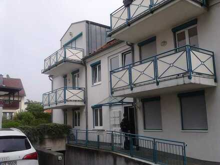 Ansprechende 1-Zimmer-Wohnung mit abgetrennter EBK und Balkon in Plankstadt