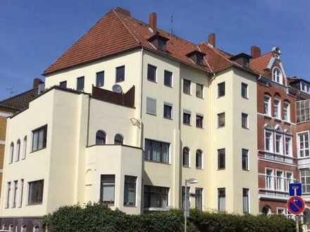 Ruhige Oase in der City 5.-Zimmer Altbauwohnung mit Balkon