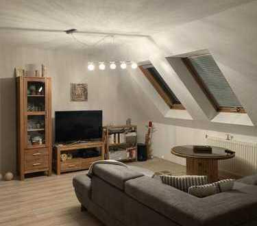 Attraktive 2-Zimmer-DG-Wohnung zur Miete in Suhl