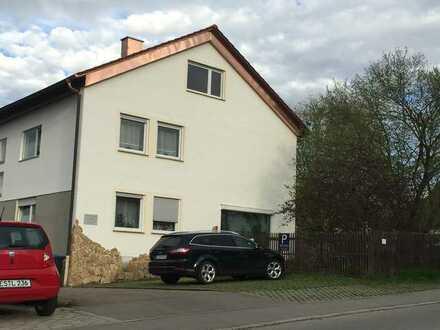 Schönes Haus mit 13 - Zimmern in Esslingen (Kreis), Bissingen an der Teck