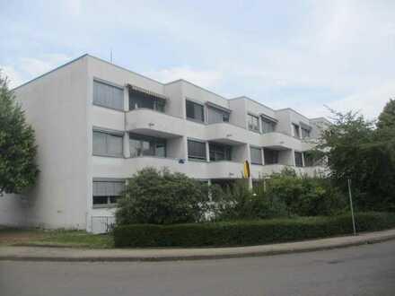 Schöne 2-Zimmer-Wohnung im Dachgeschoss mit einer Wohnfläche von ca. 67 m², Süd Balkon und Keller...