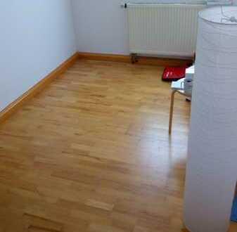 Nachmieter/in für gemütliche 3er-WG in Nürnberg-Reichelsdorf gesucht