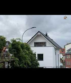 Schönes, geräumiges Haus mit sechs Zimmern Privatverkauf!!