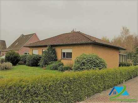 + Maklerhaus Stegemann + 5,50 % + sehr gepflegter Bungalow in idyllischer Lage von Wiesmoor