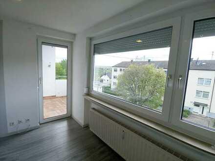 Stilvolle, modernisierte 4-Zimmer-DG-Wohnung mit Balkon und EBK in Holzgerlingen
