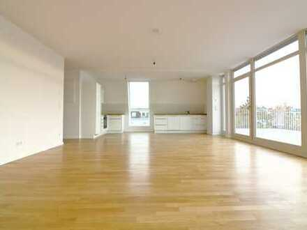 *Erstbezug* Lichtdurchflutete 4-Zimmer Dachgeschosswohnung mit EBK und 2 Terrassen