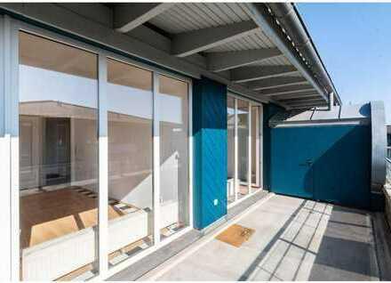 Helle und moderne 2-Zimmerdachgeschosswohnung mit großem Balkon in Universitätsnähe