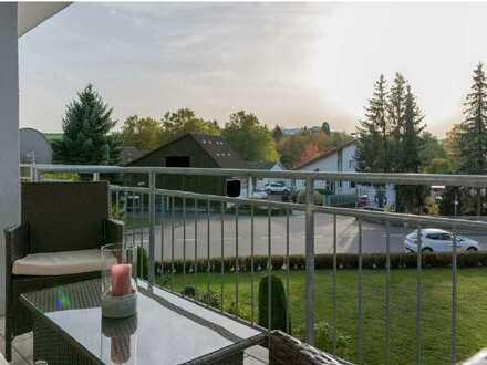 Neuwertige, helle 3-Zimmer-Wohnung mit Balkon und Einbauküche in Neckarbischofsheim