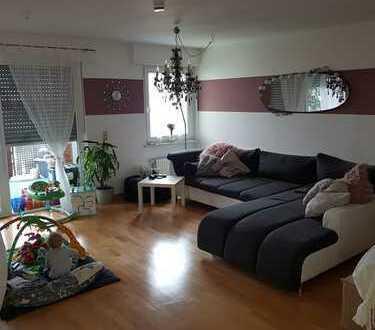 Schön geschnitten 5 Zimmer Wohnung