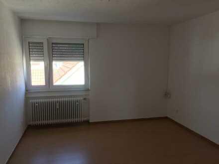 Ideal für 4´er WG ! Preis pro Zimmer 6-Zimmer-Maisonette-Wohnung mit Balkon und EBK in Rheinzabern