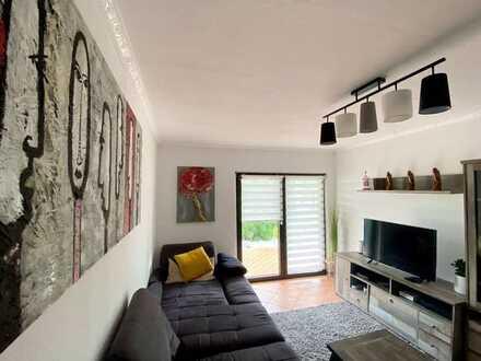 Sonnenplatz für die ganz Familie zum Selbstbezug: Einfamilienhaus an der südlichen Weinstraße