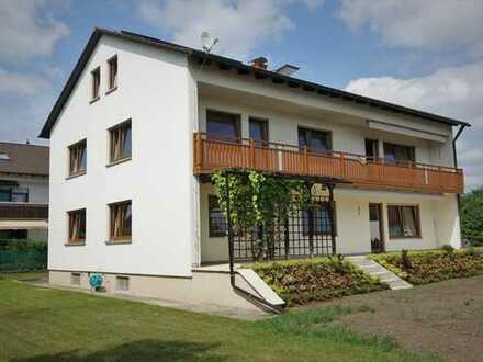 Schöne helle 4-Zimmer Wohnung (1.Stock) mit Balkon in Metten