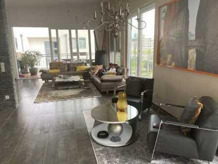 Luxus Penthouse 5 Zimmer Wohnung mit Domblick -Top Lage in Deutz/Kalk (Quartier Colognia)