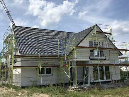Schöne vier Zimmer DG Wohnung Neubau in Linkenheim Hochstetten
