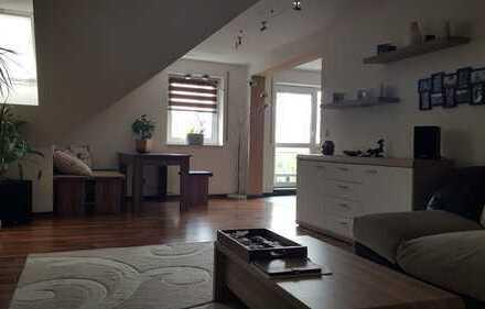 Attraktive 3-Zimmer-Dachgeschosswohnung mit Balkon und EBK in Dillingen an der Donau