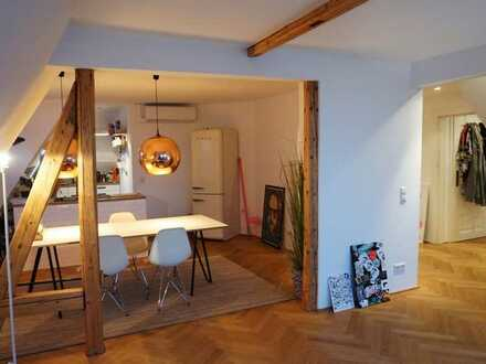 Provisionsfrei // Traumhafte Dach-Massionette Wohnung mit Ausblick // ab Sofort