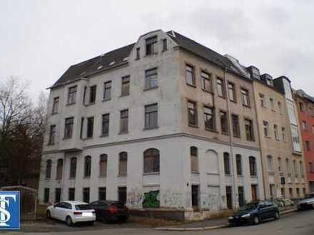 26/17 - unsaniertes Mehrfamilienhaus / Reiheneckhaus mit Balkonen in Plauen (Reusa / Nähe Klinikum)