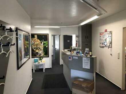 Büro-, Praxis oder Gewerberäume mitten im beliebten Einkaufszentrum Südstadt!