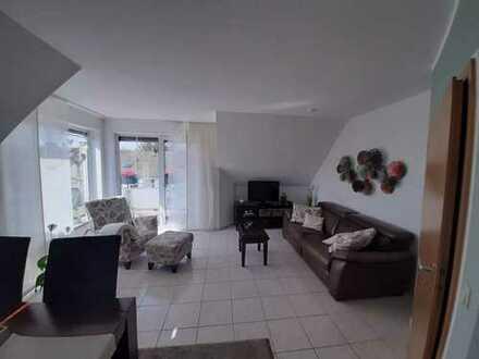 Schöne 3,5 Zimmer DG Wohnung über 2 Ebenen !