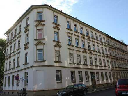 Großzügige, teilmodernisierte 3-Zimmer-Wohnung zum Kauf in Leipzig