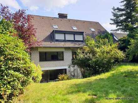 Freistehendes Haus mit 2 Eigentumswohnungen in Heiligenhaus-Isenbügel
