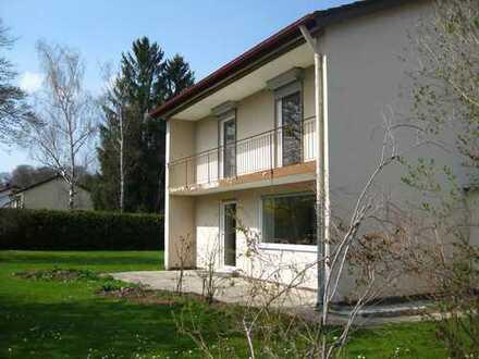 Einfamilienhaus in ruhiger Lage mit großem Garten befristet auf 2 Jahre