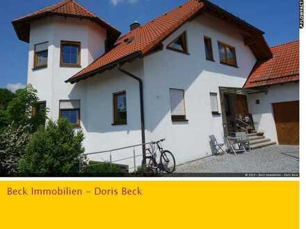 Attraktive 3,5 Zi.-Dachwohnung mit Balkon, Super-Bad und traumhafter Aussicht