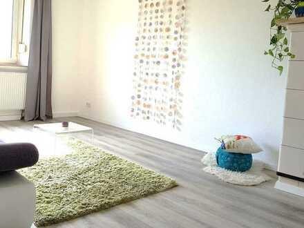Zentrale, ruhige Wohnung, frisch renoviert mit separatem Home Office / Yogaraum