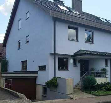 Lauffen Sehr gepflegte Doppelhaushälfte mit Garten/ Garage