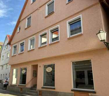 Zentrale, komplett möbilierte 4-Zimmer Wohnung in der Innenstadt von Ehingen (Donau)