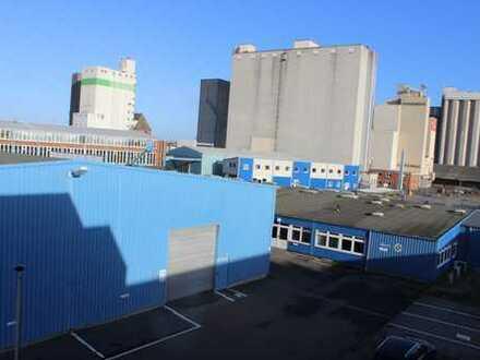 Produktionsstandort direkt am Husumer Hafen