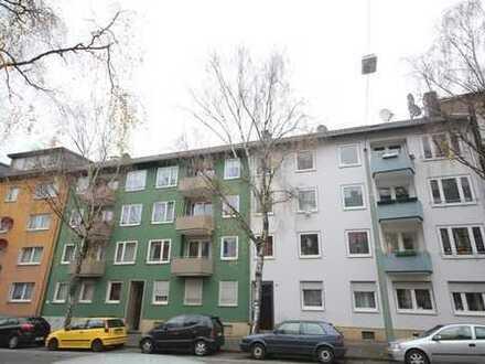 **renovierte 3,5 Zi Wohnung mit Balkon zentral zur Innenstadt - WG tauglich**