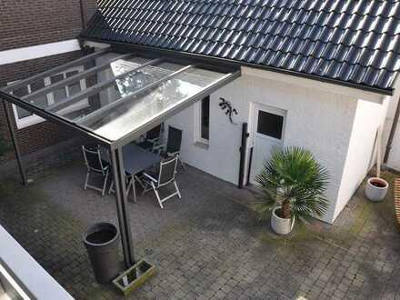 Modernes und großzügiges Wohnen mit Keller, Kamin, Balkonen und Garage