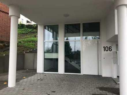 Geschmackvolle Wohnung mit zwei Zimmern sowie Terrasse und Einbauküche in Schwäbisch Gmünd