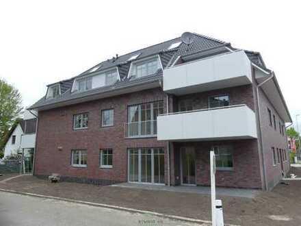 Neubau: Helle Vier-Zimmer-Maisonette-Wohnung mit Einbauküche und Balkon in Kattenturm