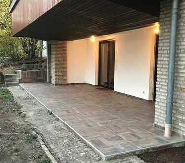 Schöne neu renovierte 3,5-Zimmer-EG-Wohnung mit Grosser Terrasse und eigenem Garten in Eppstein