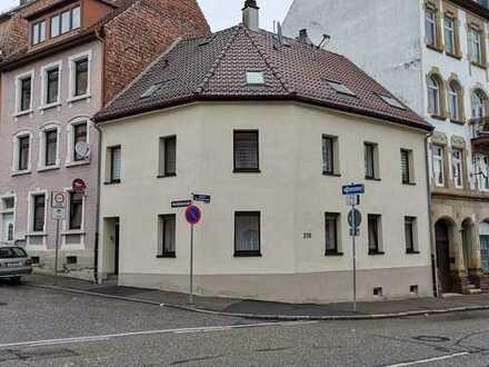Privat und Provisionsfrei. Mehrfamilienhaus mit 3 Wohneinheiten!