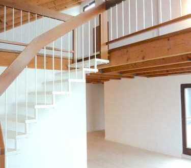 Helle Maisonette-Wohnung mit Dachterrasse