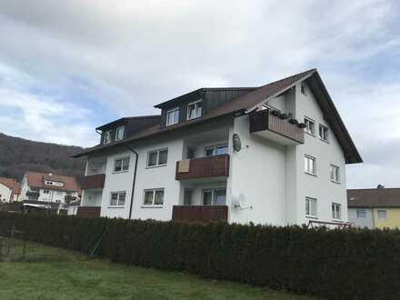Modernisierte Wohnung mit 4 1/2 Zimmern sowie Balkon und Einbauküche in Burladingen