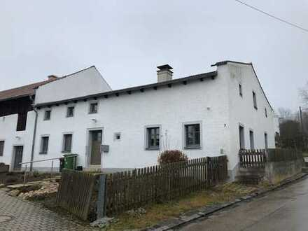Denkmalgeschütztes Bauernhaus mit Garage, Stadel und großem Garten