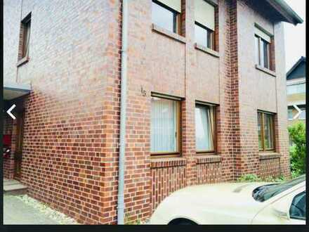 Ruhige 3 Zimmer Wohnung mit Riesen Garten auf der Neusser- Furth zu vermieten