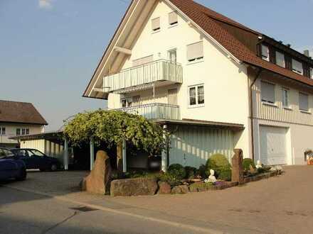 Gepflegte 3-Zimmer-Wohnung mit Balkon, Gartenanlage mit Wohlfühlcharakter in Calw-Altburg
