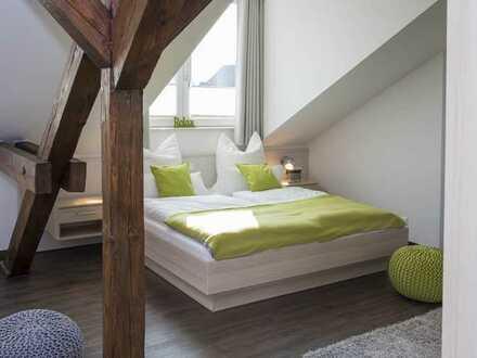 Komplett ausgestattetes DG-Studio mit Balkon und EBK in Bühl
