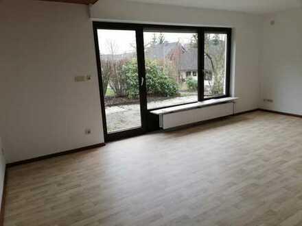 Ruhig und doch zentral - 2-Zimmer-Einliegerwohnung mit Terrasse und EBK in Kreuztal-Fellinghausen