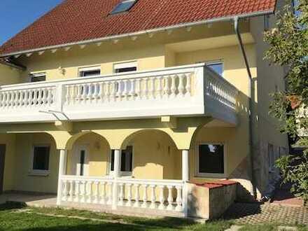 Einfamilienhaus mit Einliegerwohnung am Rande der Weinstraße