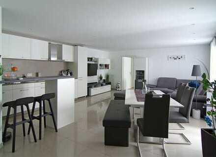 Moderne (Baujahr 2014) 3 Zimmer Whg. mit erstklassiger Ausstattung