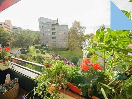 3 bis 5 Zimmer-Wohnung mit 2 Bädern, PKW-Stellplatz und Aufzug in Köln-Lövenich