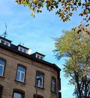 Schöne Dachgeschosswohnung am Elsaßplatz/Kennedypark (als WG für Studenten geeignet)