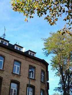 Dachgeschosswohnung am Elsaßplatz/Kennedypark zu vermieten (gut als WG für Studenten geeignet)